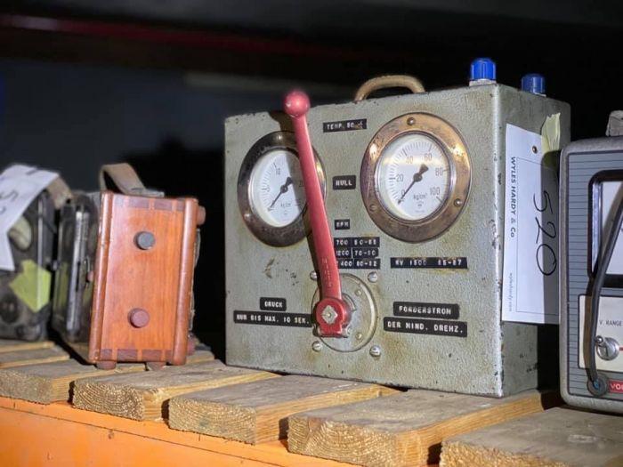 Редкие суперкары стоимостью £30 млн найдены пылящимися в заброшенном подземном гараже Авто/Мото