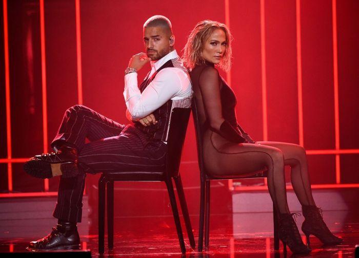 51-летняя американская актриса, певица, танцовщица и модельер  Дженнифер Лопез  на American Music Awards 2020 Много девушек (+18)