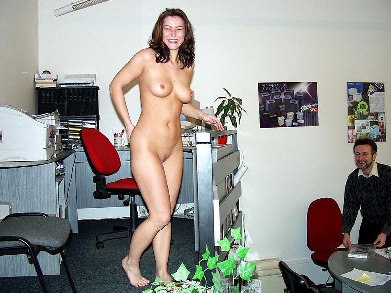 Sexy naked office wife