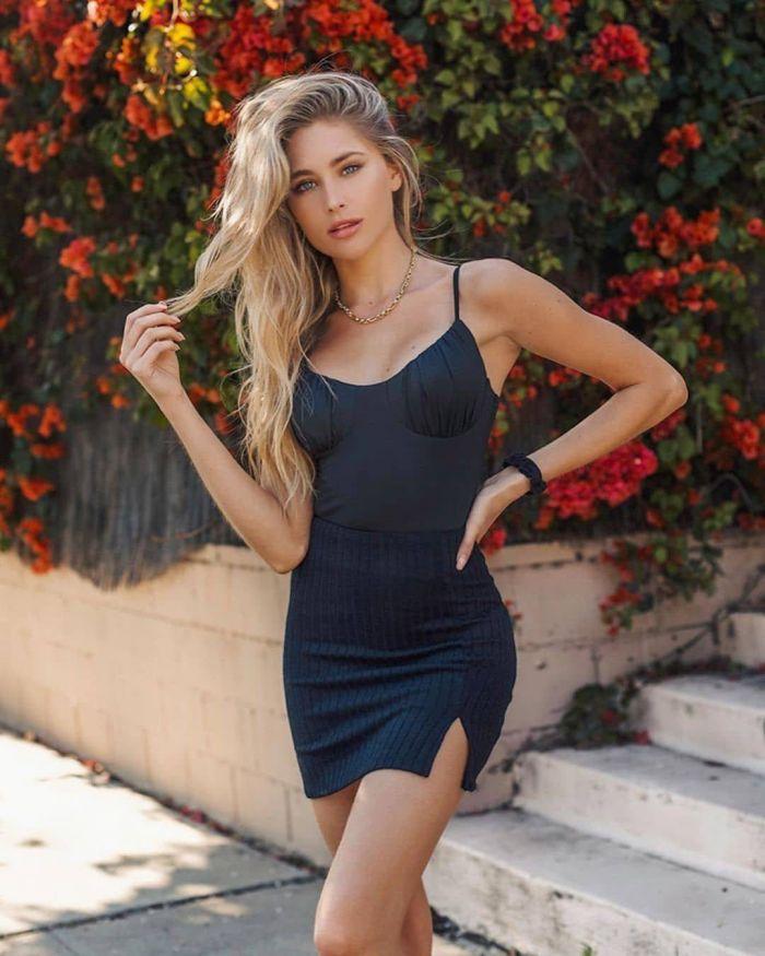 Девушки в сексуальных платьях, часть 42 Много девушек (+18)