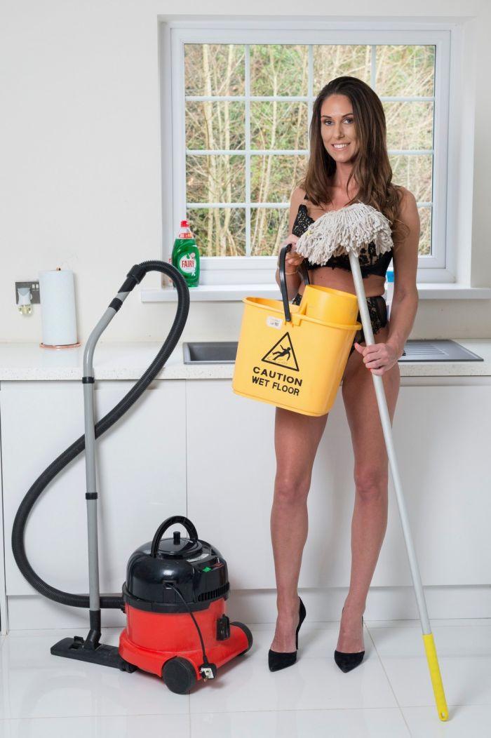 В компании по уборке голышом рассказали, как обстоят дела во время пандемии Много девушек (+18)