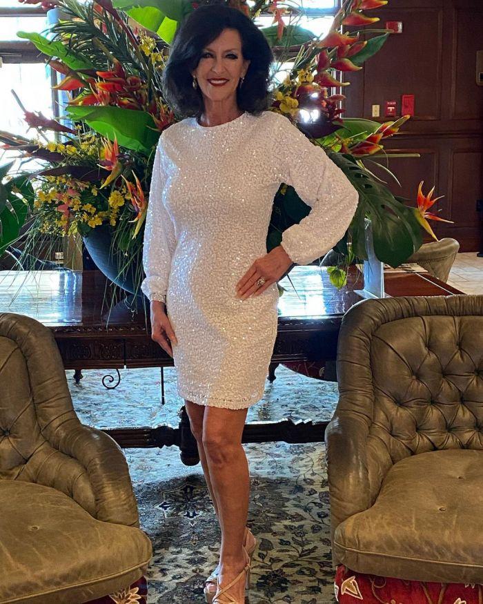 61-летняя американка обошла конкуренток вдвое моложе ее и стала королевой красоты С миру по нитке