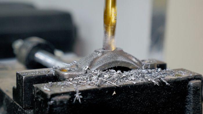Стол из блока двигателя Как это сделано