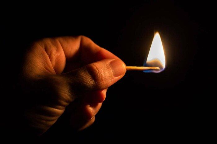 Может ли загореться лужа бензина от брошенной в нее сигареты С миру по нитке