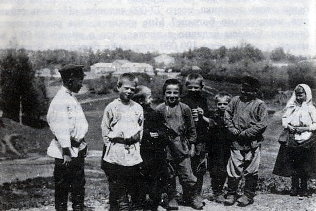 Обязанности мальчиков в крестьянской семье С миру по нитке