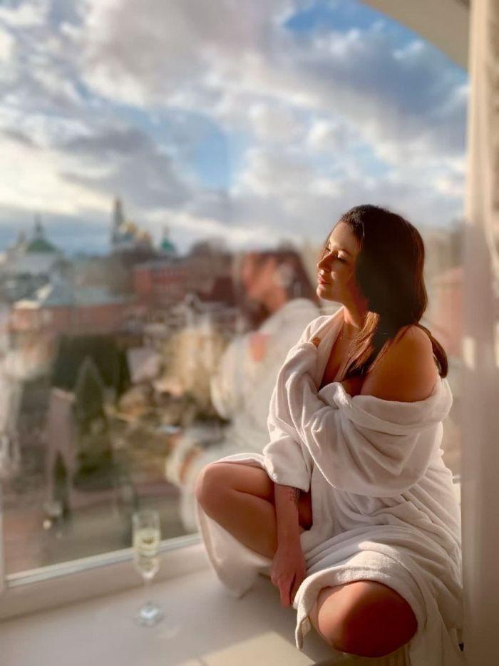 """Главная проститутка русского """"Инстаграма"""" завершила карьеру ради клиента, который выплатил её долги С миру по нитке"""