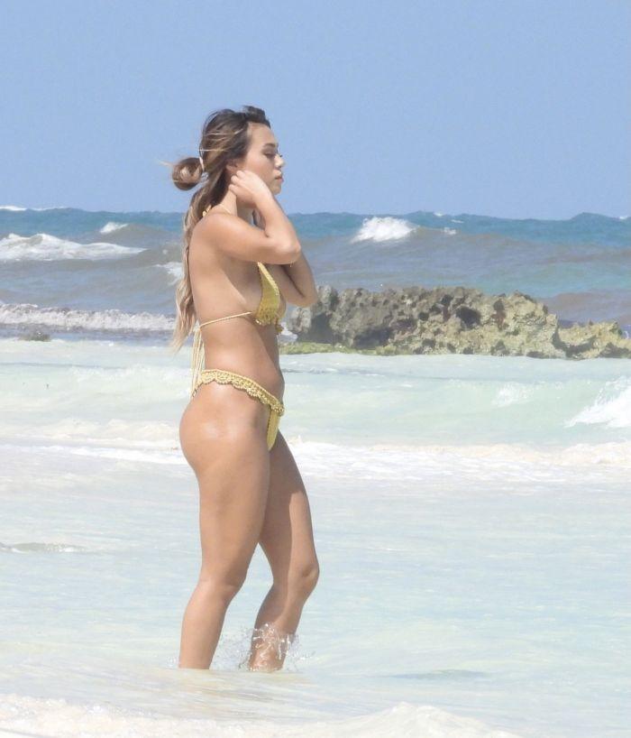 1618888277 shlotc v bikini 21