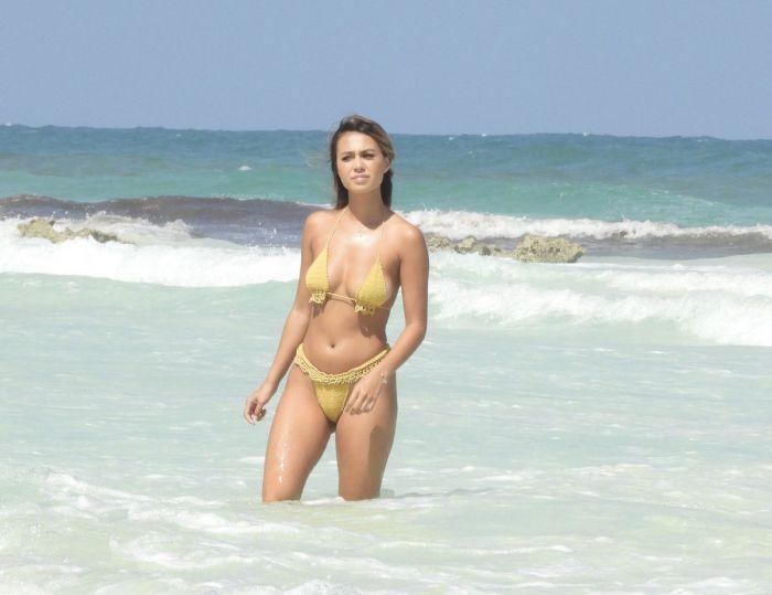1618888297 shlotc v bikini 11