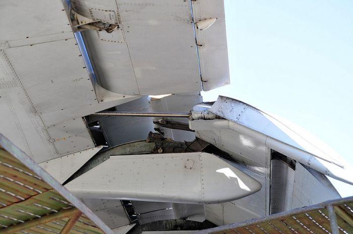 1619326618 za strannye vytjanutye shtuki pod kryljami mnogih samoletov 3
