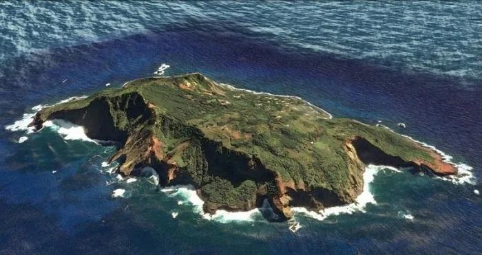 1620536057 ostrov nasilnikov kotoryh opravdali ih zhertvy 5