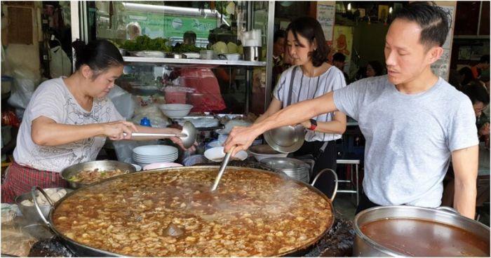 1619870452 govjazhego vechnogo supa kotoryj bez pereryva varitsja v bangkoke 45 let 1