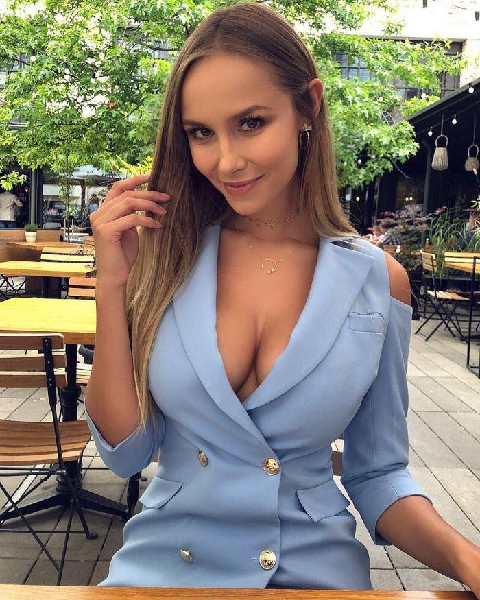 Красотки с очень красивой грудью Много девушек (+18)