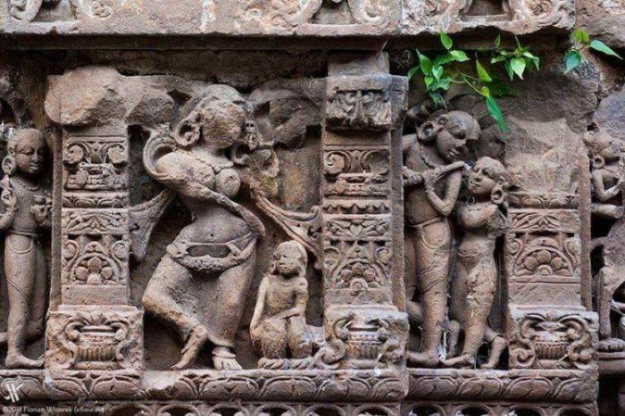 Колодец Чанд Баори в Индии С миру по нитке