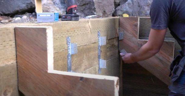 Как сделать садовую деревянную лестницу Как это сделано
